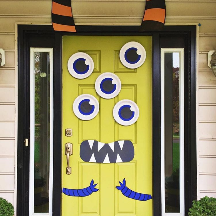 Cute And Creepy Monster Mash Halloween Door Pictures