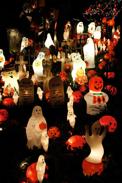 Ghosts Amp Pumpkins Decoration Pictures Photos And Images