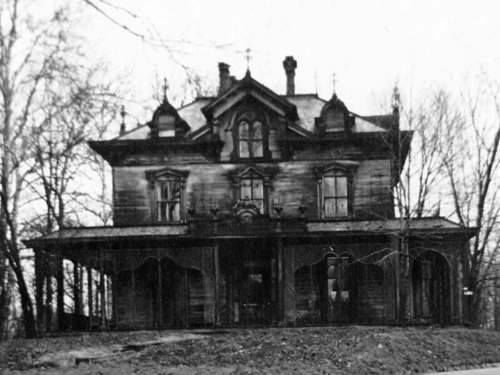 Black And White Abandoned Haunted House Pictures, Photos
