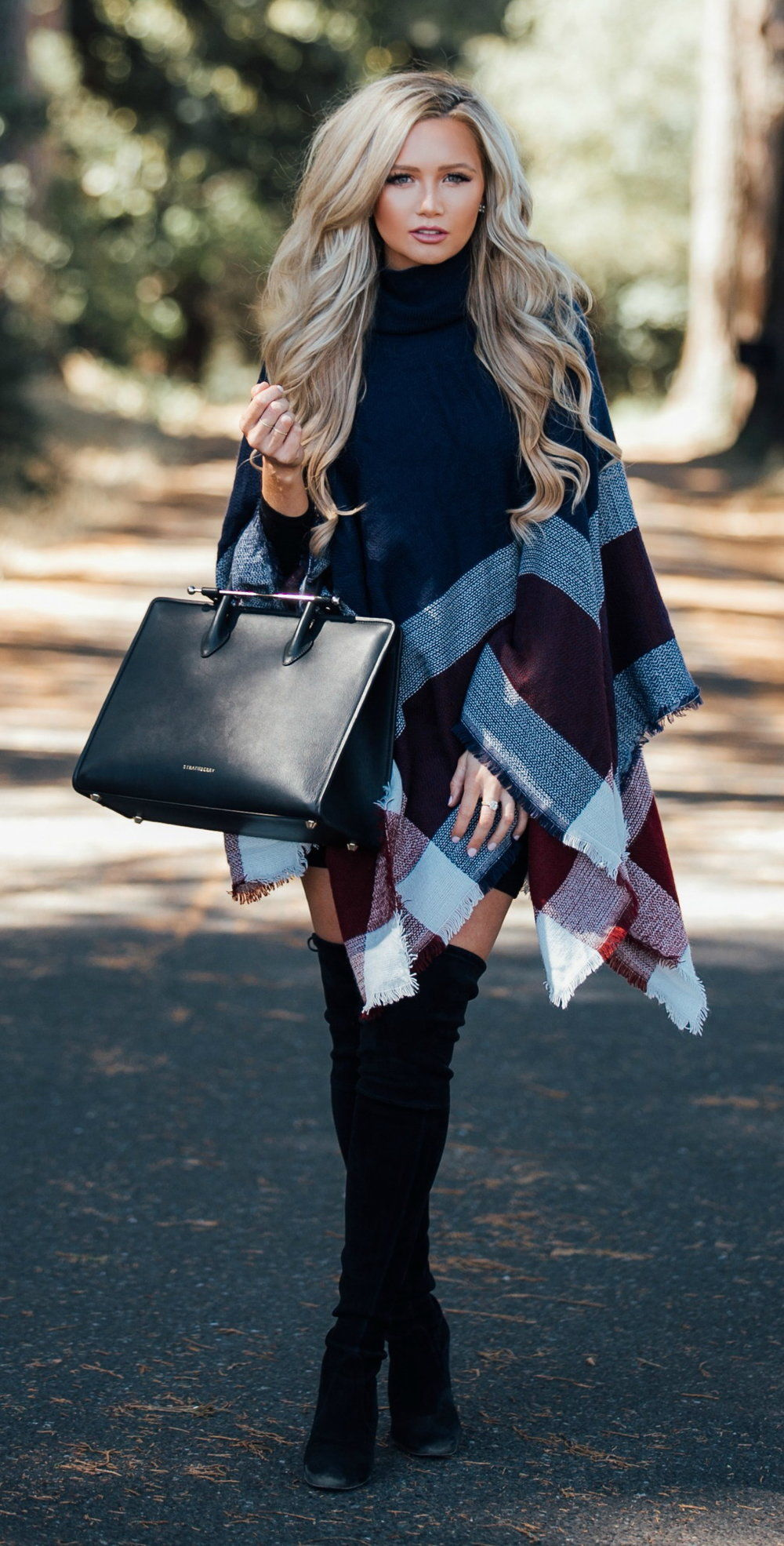 eb5b9a1b9cc Beautiful Poncho With Over-the-thigh Black Suede Boots Pictures ...