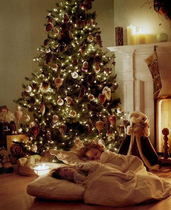 Children Sleeping By The Christmas Tree Pictures, Photos