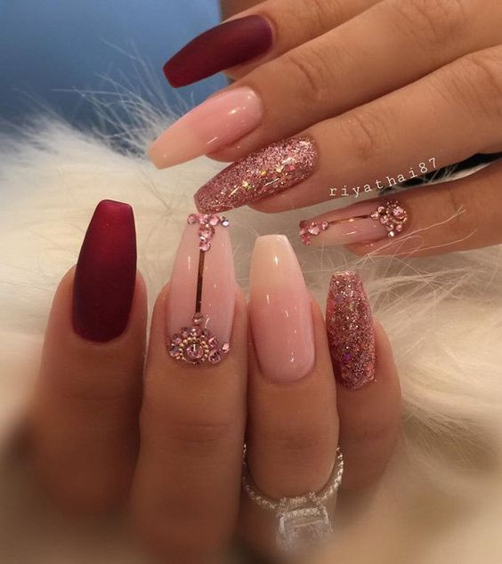 Gorgeous Nail Art With Glitter And Jewels