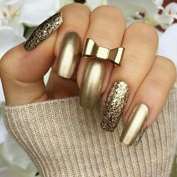 Gold Glitter Nails With Bow Pictures, Photos, and Images for ...