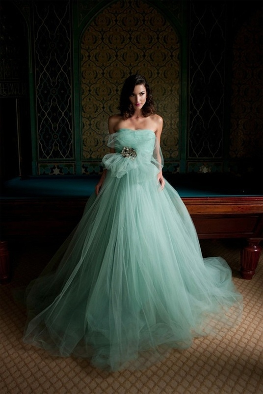 Wedding Dress Color Green : Big green bridesmaid dress pictures photos and images