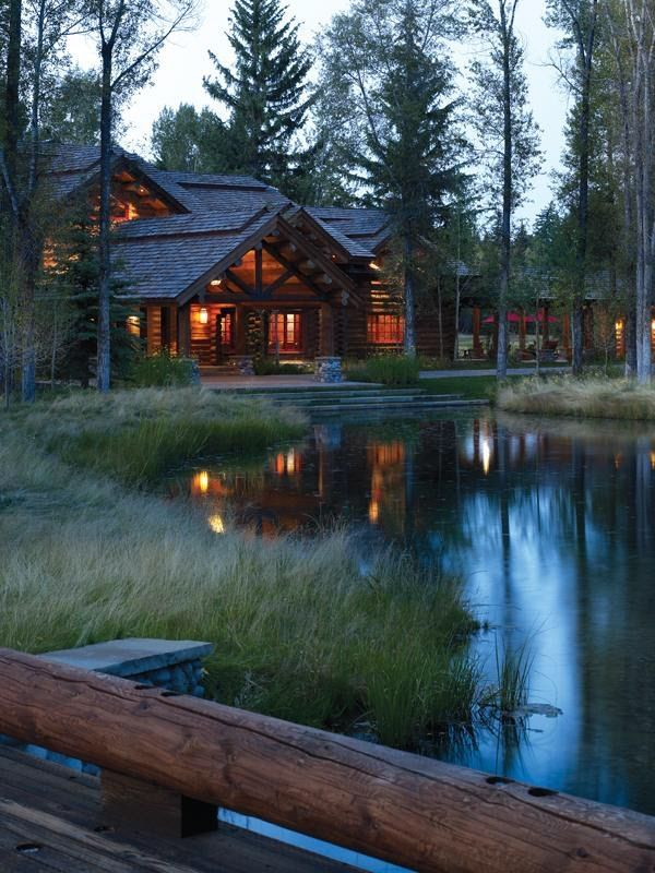 Cabin in the woods pictures photos and images for for Secluded mountain homes for sale