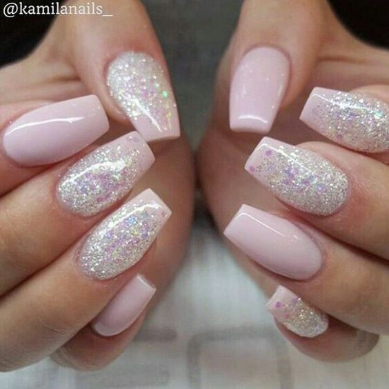 Pastel glitter nails pictures photos and images for - Disenos de unas pintadas ...