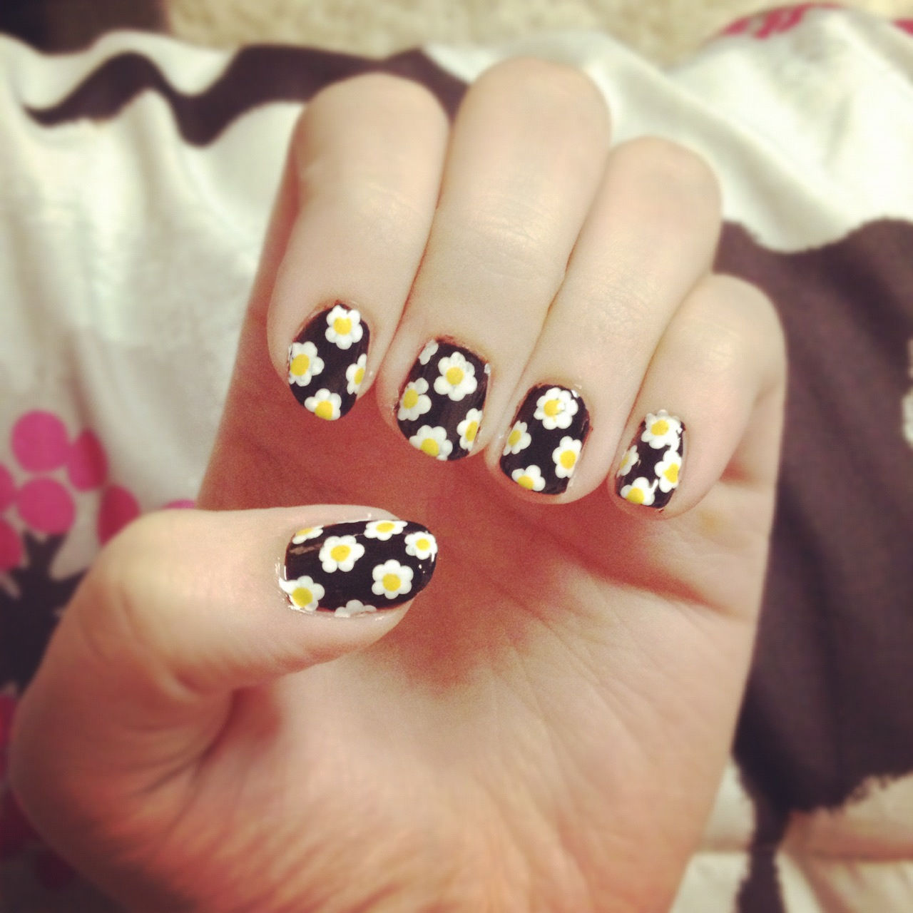 Daisy Nails Pictures Photos And Images For Facebook
