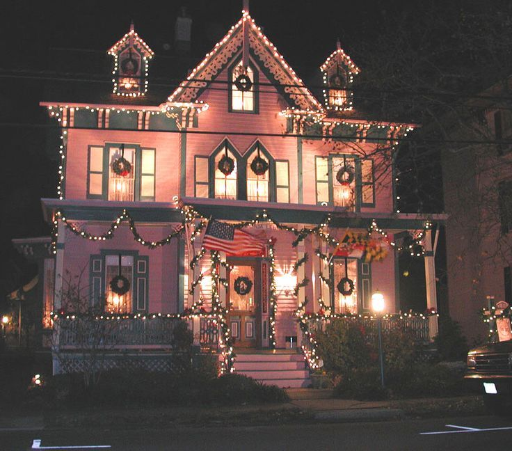Stadium Christmas Lights Nj: Pink Victorian House Decorated For Christmas Pictures