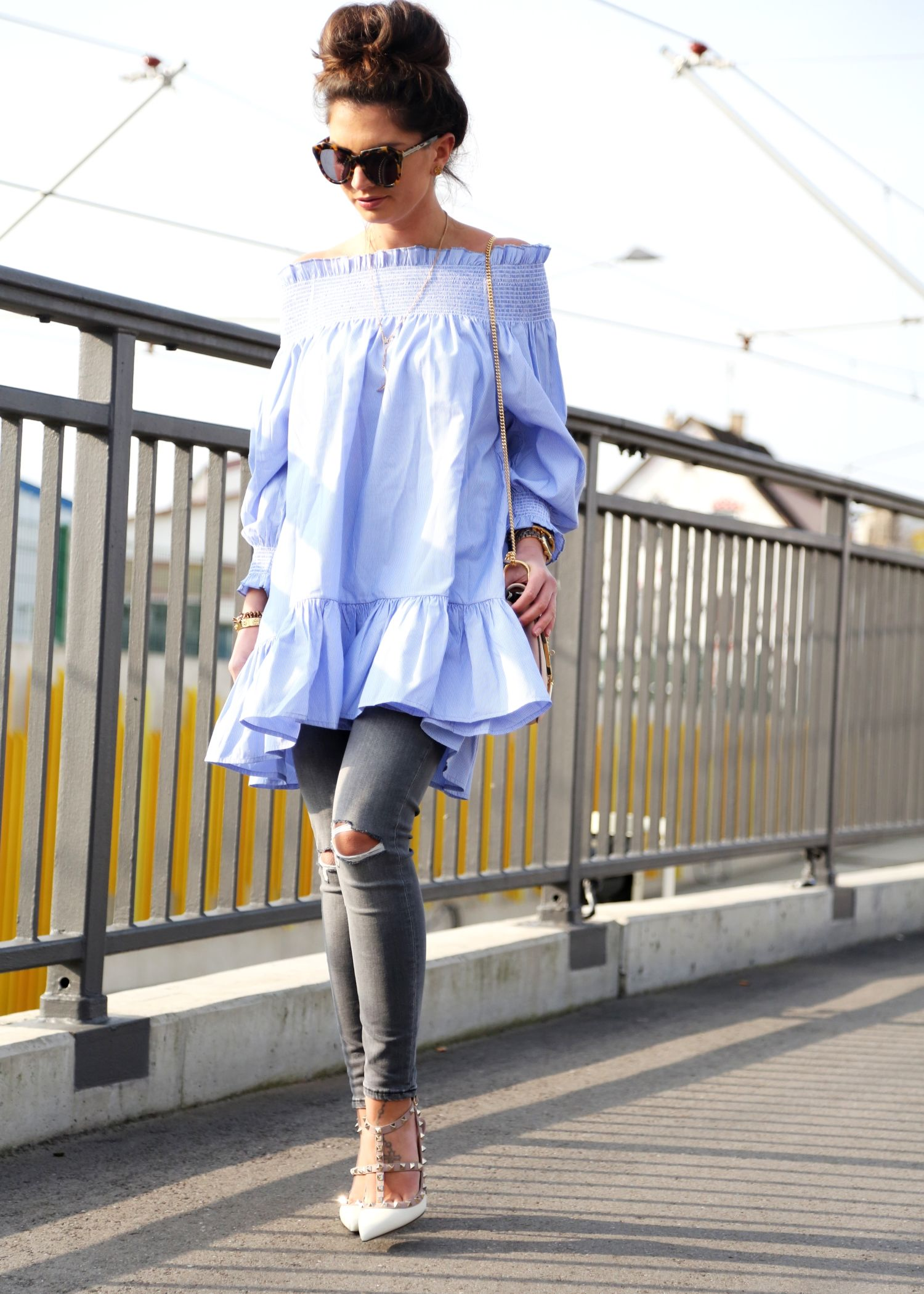 da2ff48ac6 9 Ways to Dress Up Your Jeans - Glamour