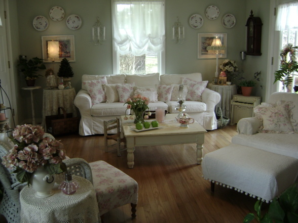 Gorgeous shabby chic living room pictures photos and - Decoration salon style romantique ...