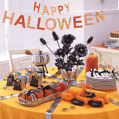 Happy halloween party pictures photos and images for - Decoration de table halloween ...