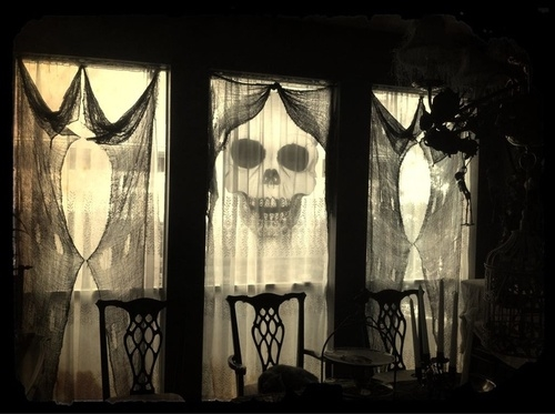 Spooky curtains pictures photos and images for facebook - Decoration maison halloween ...