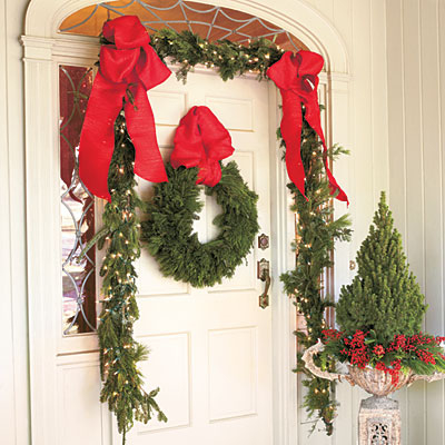 front door christmas decorations and wreath