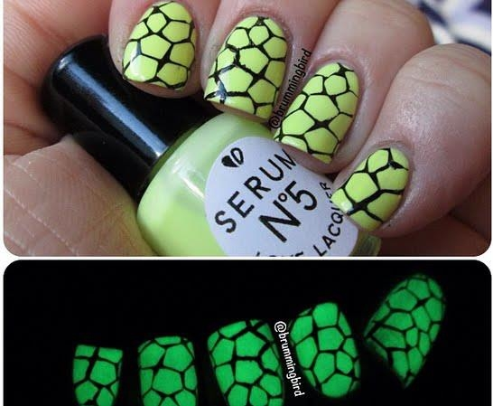Glow In The Dark Broken Nail Art Pictures Photos And Images For