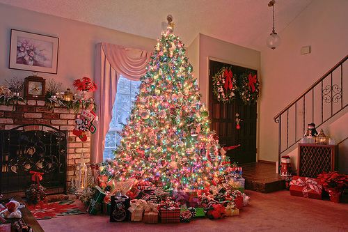 Christmas Tree Full Of Gifts Pictures, Photos, and Images for ...