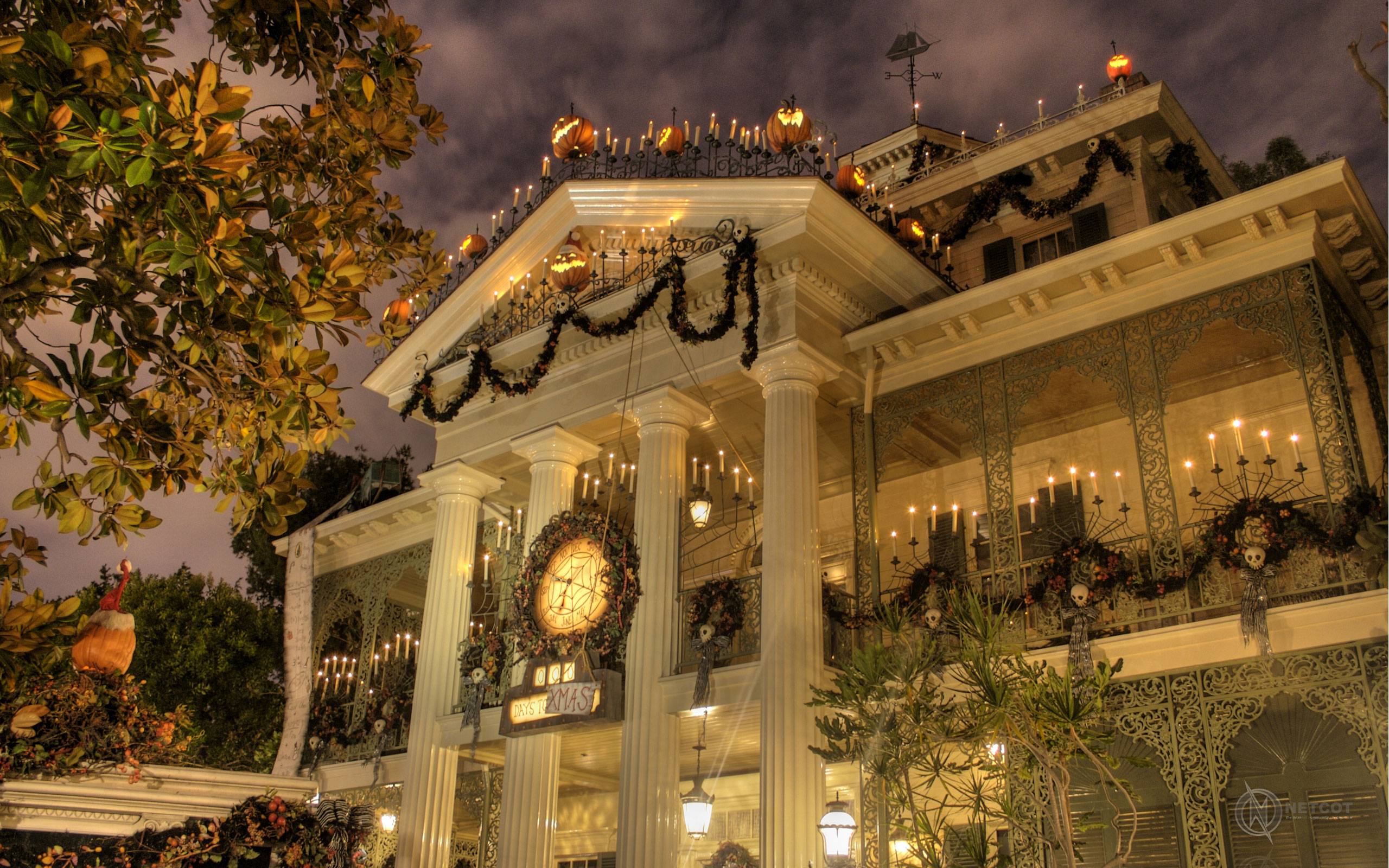 Disney\'s Nightmare Before Christmas Mansion Pictures, Photos, and ...