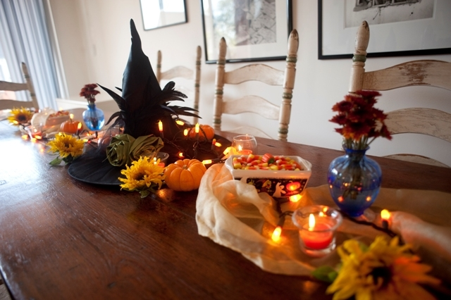 Halloween centerpiece pictures photos and images for facebook tumblr pint - Idee deco table halloween ...