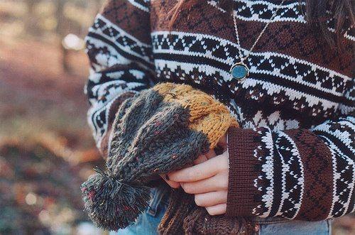 Výsledek obrázku pro cozy sweater tumblr