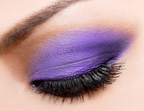 6 Warna Eyeshadow Yang Bisa Membuat Makeup Mata Kamu