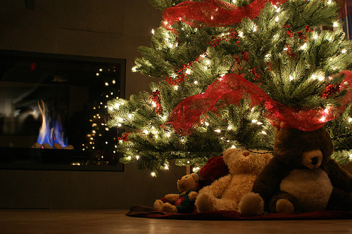 Bears Under The Christmas Tree Pictures, Photos, and Images for ...