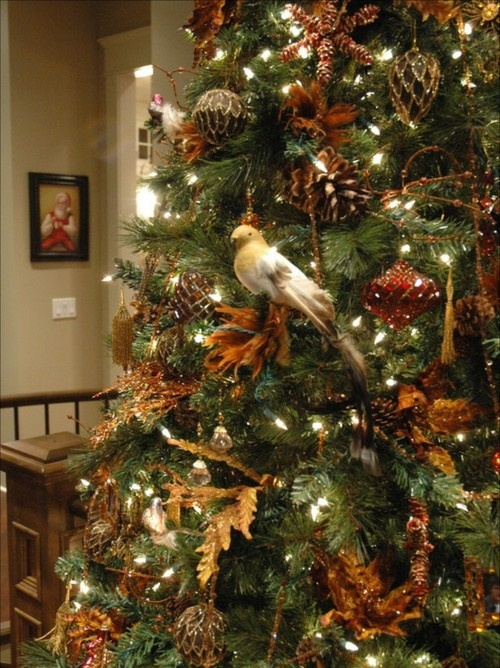 Christmas Tree Decorations Bird : Bird on the christmas tree pictures photos and images