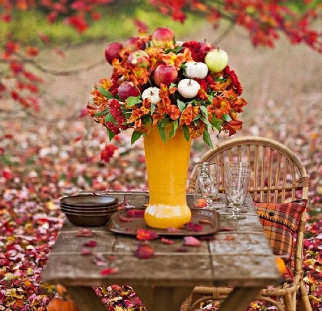 Rustic thanksgiving table pictures photos and images for for Autumn flower decoration