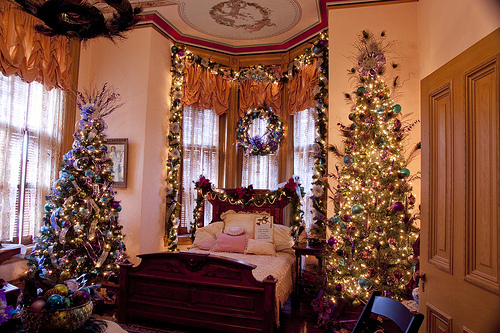 Bedroom Christmas Trees Pictures, Photos, and Images for ...