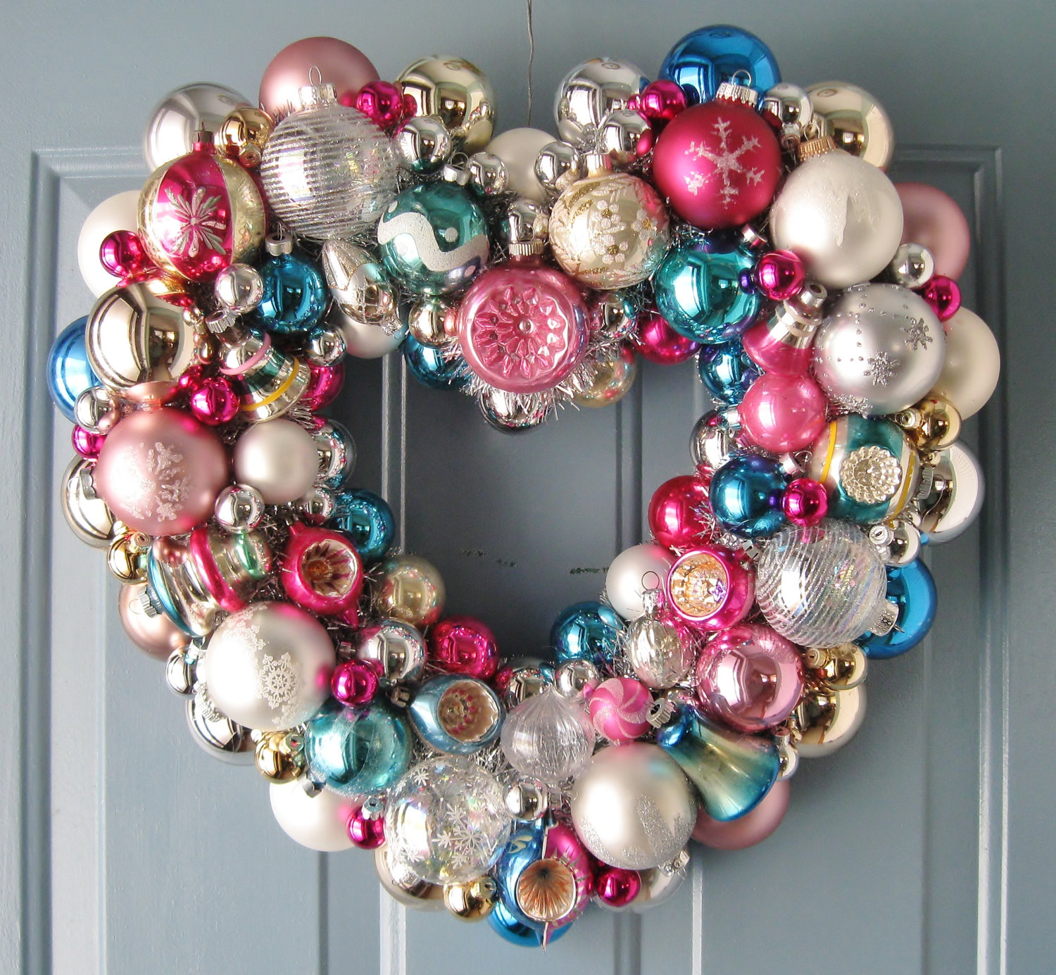 Heart shaped christmas wreath pictures photos and images