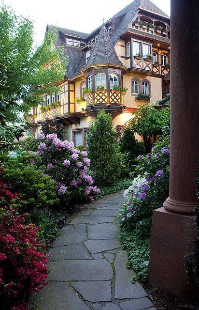 Lovely home walkway pictures photos and images for for Home beautiful pictures
