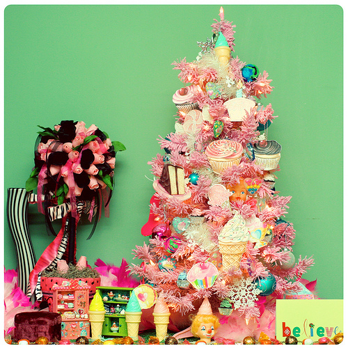 Children's Christmas Tree Pictures, Photos, and Images for ...