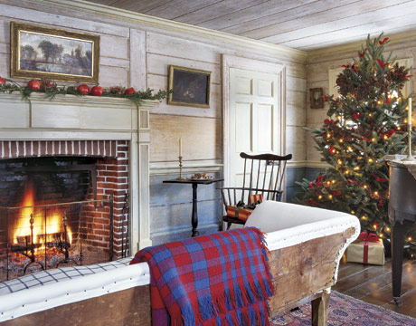 A New England Cottage At Christmas Pictures Photos And