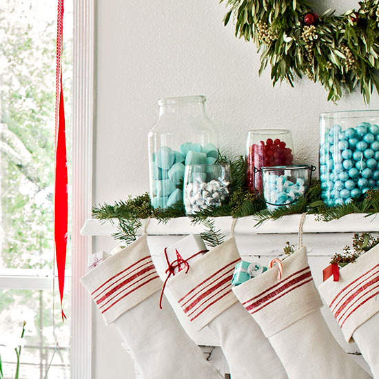 Low Price Christmas Decorations: Candy Jar Mantel Decor Pictures, Photos, And Images For