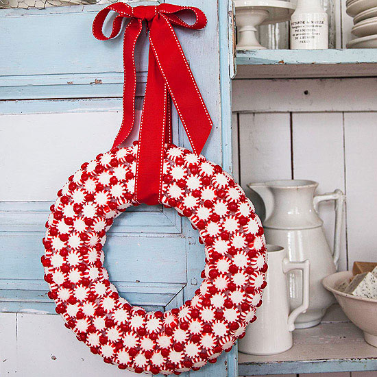 Low Price Christmas Decorations: Peppermint Candy Christmas Wreath Pictures, Photos, And