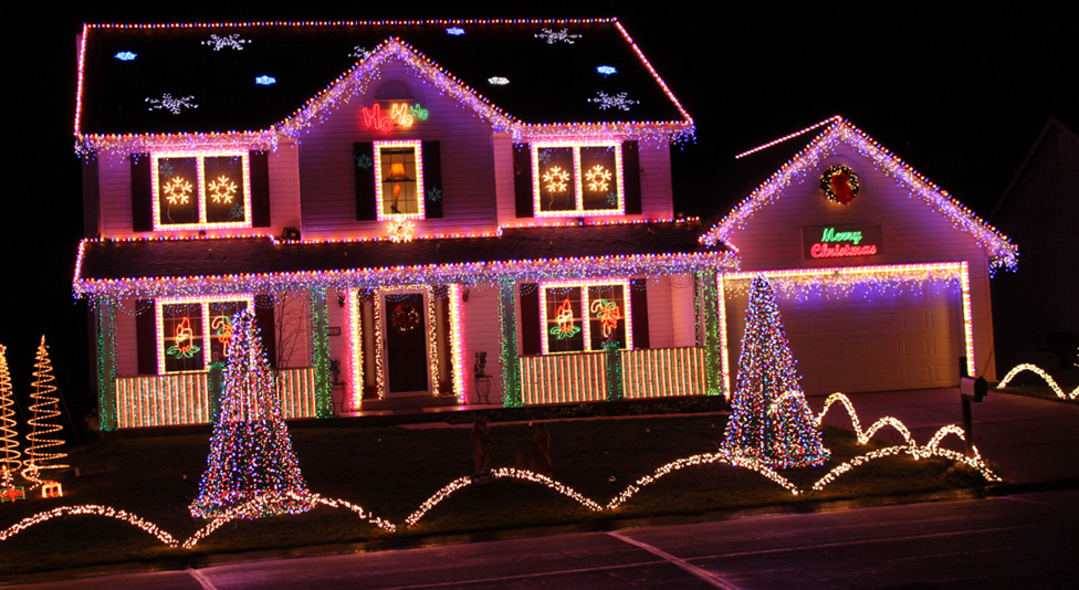 House Lit Up For Christmas Pictures