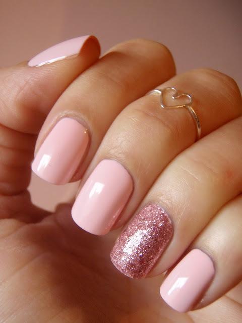 Pink and glitter nailsLight Pink Acrylic Nails Tumblr