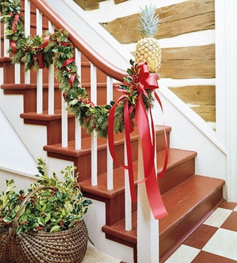 Evergreen Ribbon And Pineapple Decoration Pictures Photos
