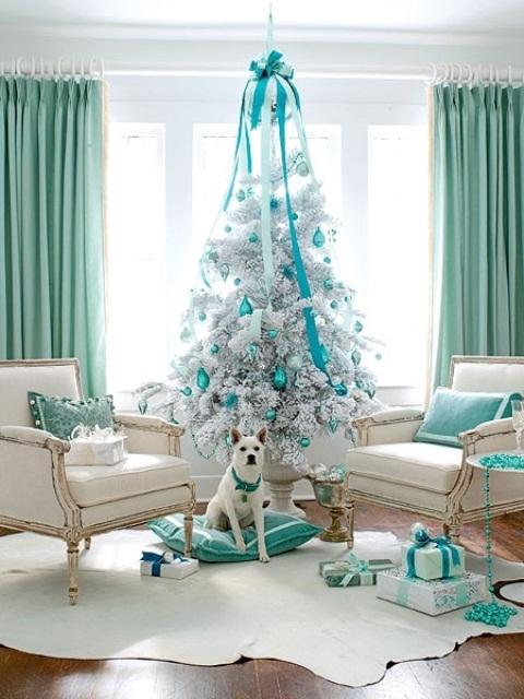 White and teal christmas decor