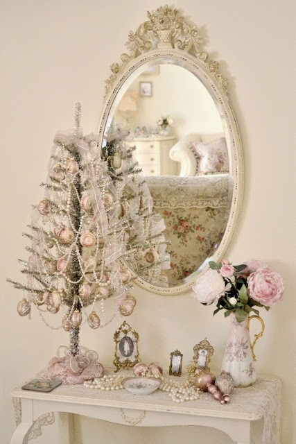 Girly vintage decor pictures photos and images for for Antique decoration