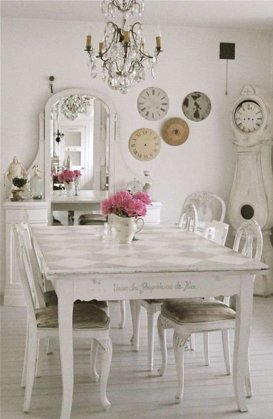 White shabby chic dining room pictures photos and images for Salle a manger shabby chic
