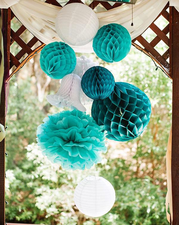 Как сделать бумажные шары для украшения зала