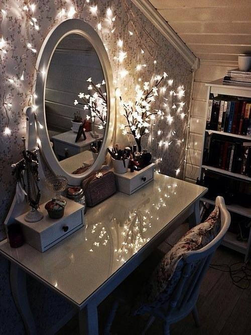 Illuminated Makeup Mirror Pictures Photos And Images For