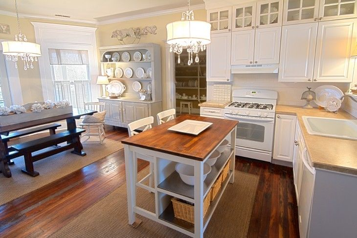 spacious modern farmhouse kitchen - Modern Farmhouse Kitchen