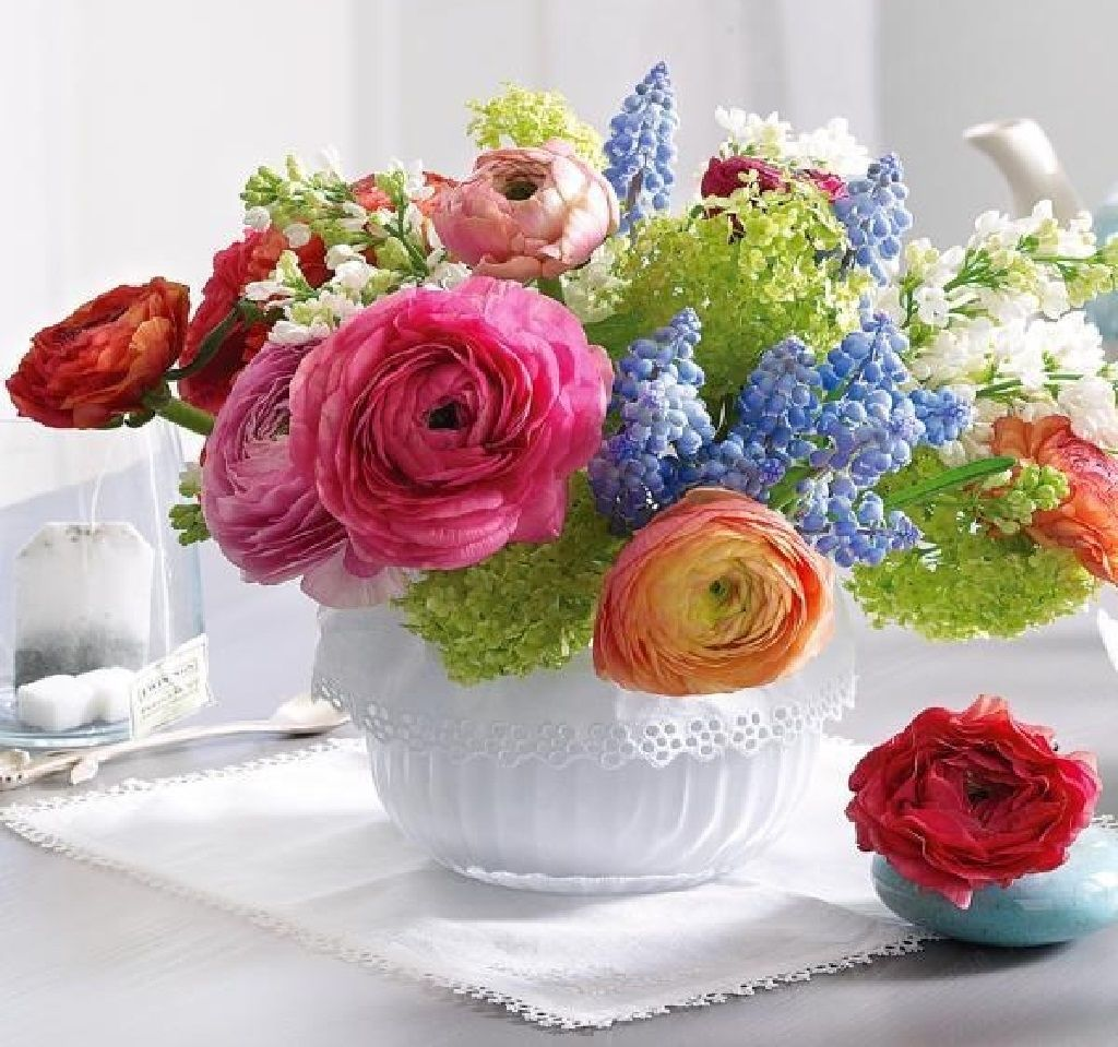 Flower Roses Pinterest: Colorful Flower Arrangement Pictures, Photos, And Images
