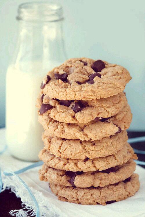 70994-Cookies-And-Milk.jpg