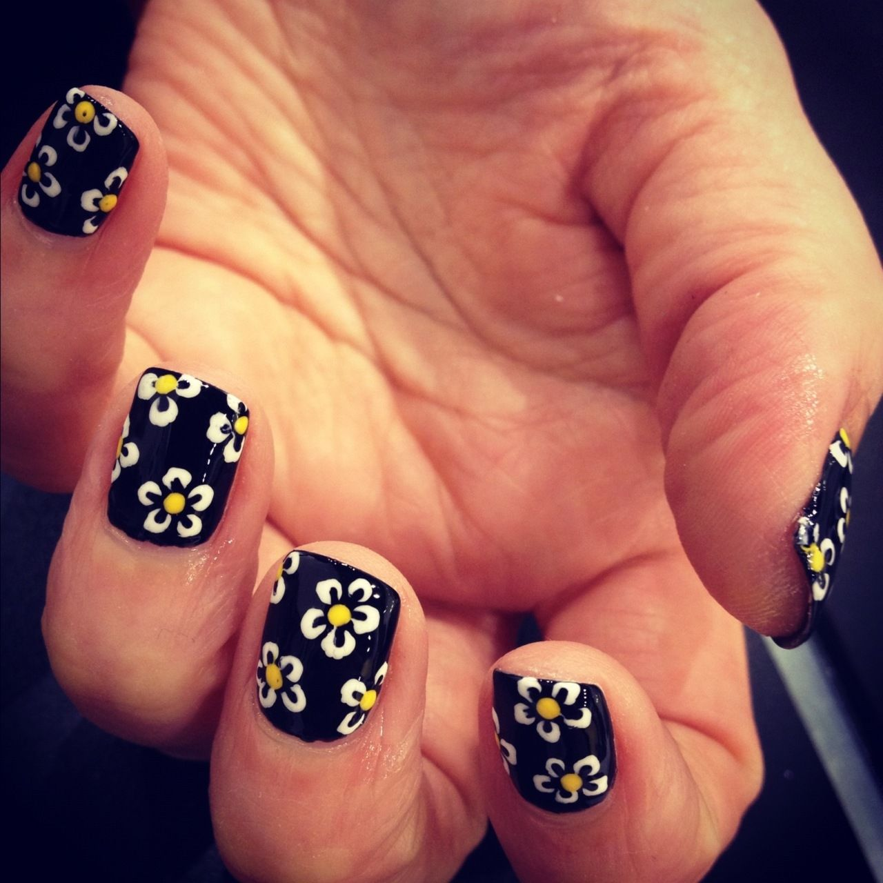 Daisy Black Nails Pictures, Photos, and Images for Facebook, Tumblr ...