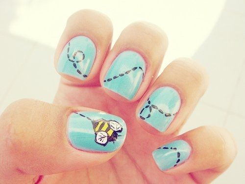 Busy Bee Nail Art