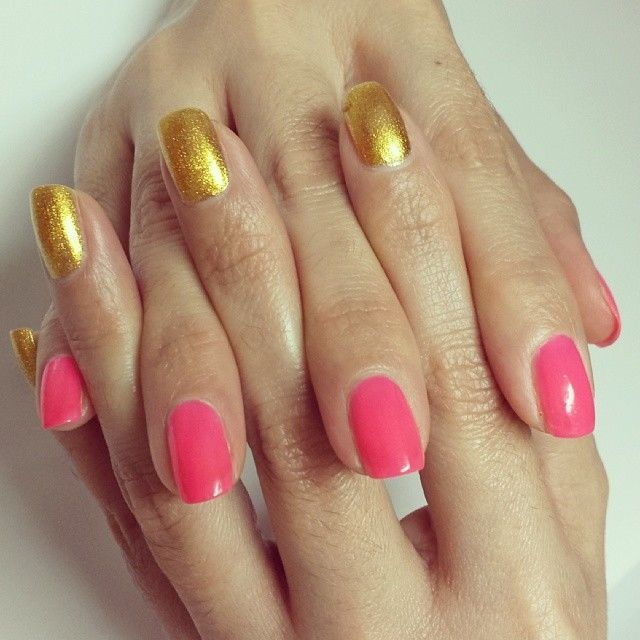 Neon Pink And Gold Nails Pictures, Photos, and Images for ...