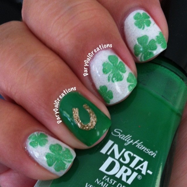 Lucky Horseshoe And Clover Nails Pictures Photos And Images For