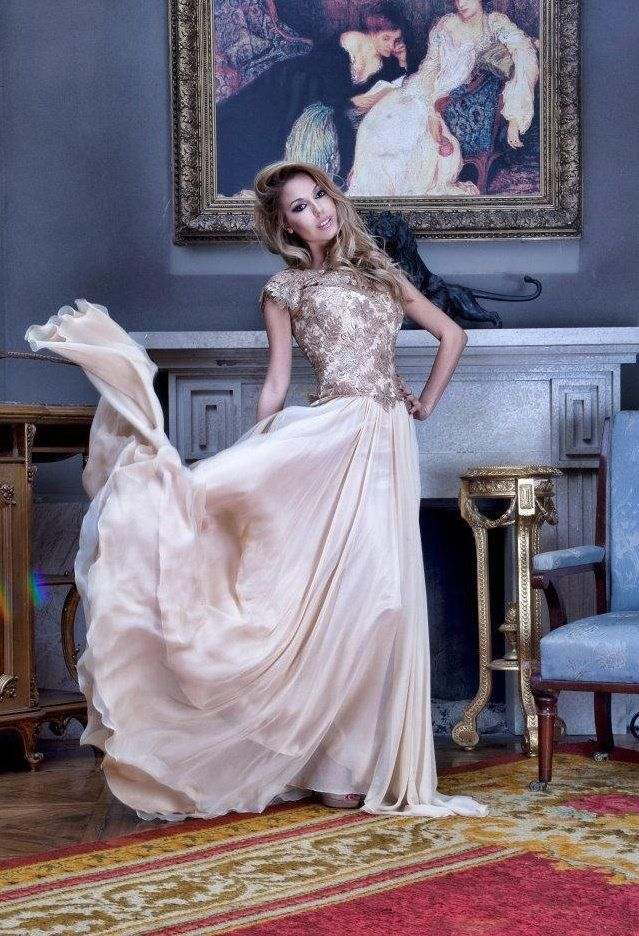 Elegant Flowing Gown Pictures, Photos, and Images for Facebook ...