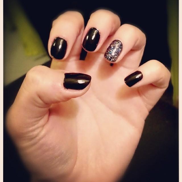 Black And Glitter Nails